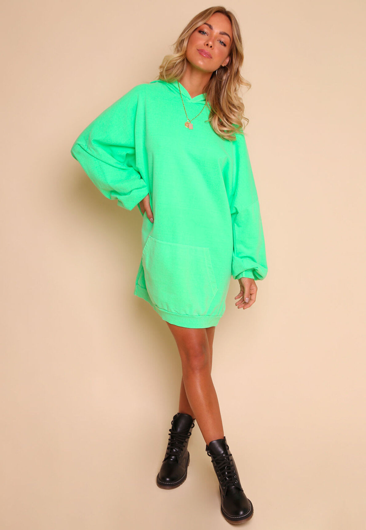 30442-moletom-oversized-neon-take-me-out-mundo-lolita-01