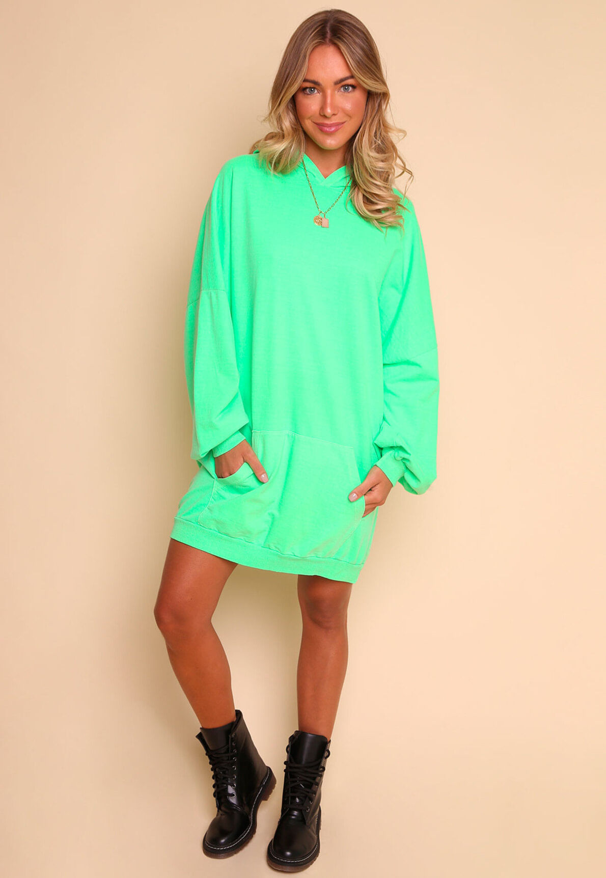 30442-moletom-oversized-neon-take-me-out-mundo-lolita-02