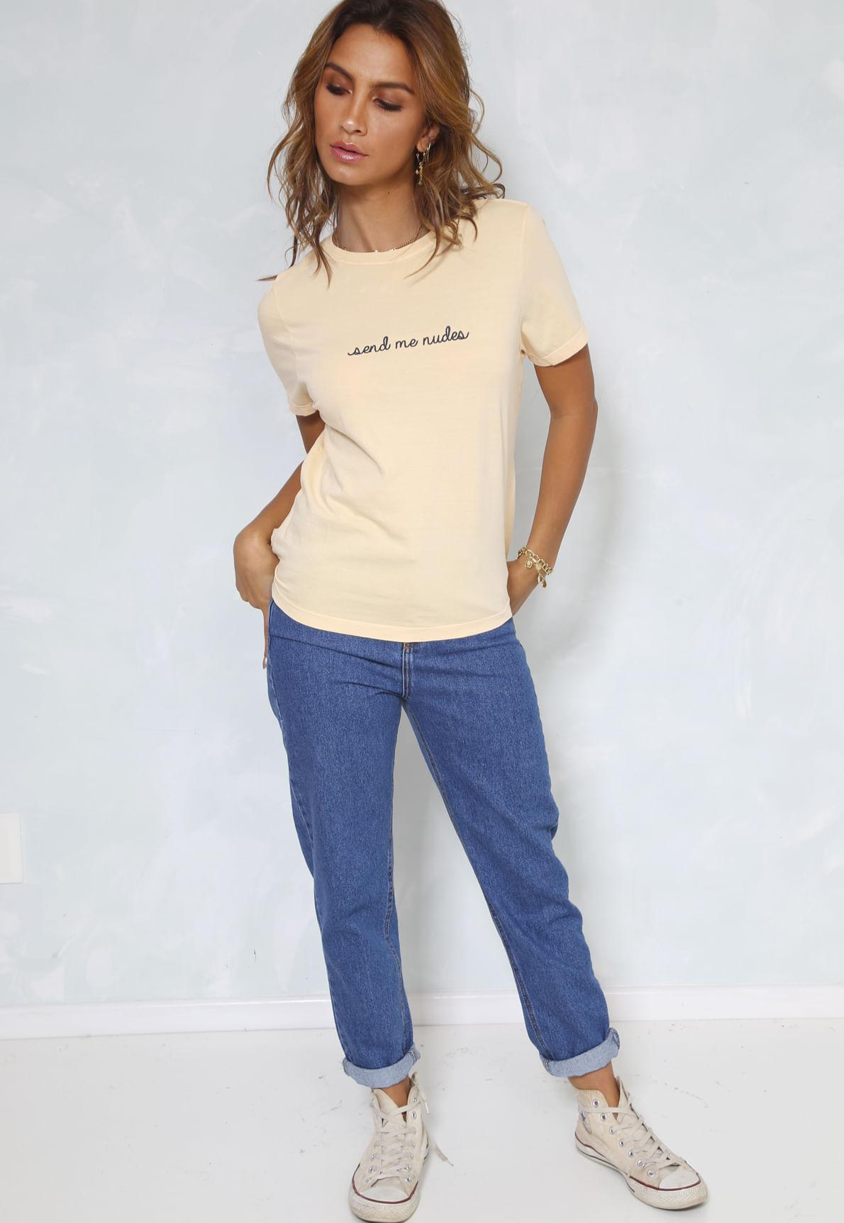 25724-t-shirt-send-me-nudes-mundo-lolita-03