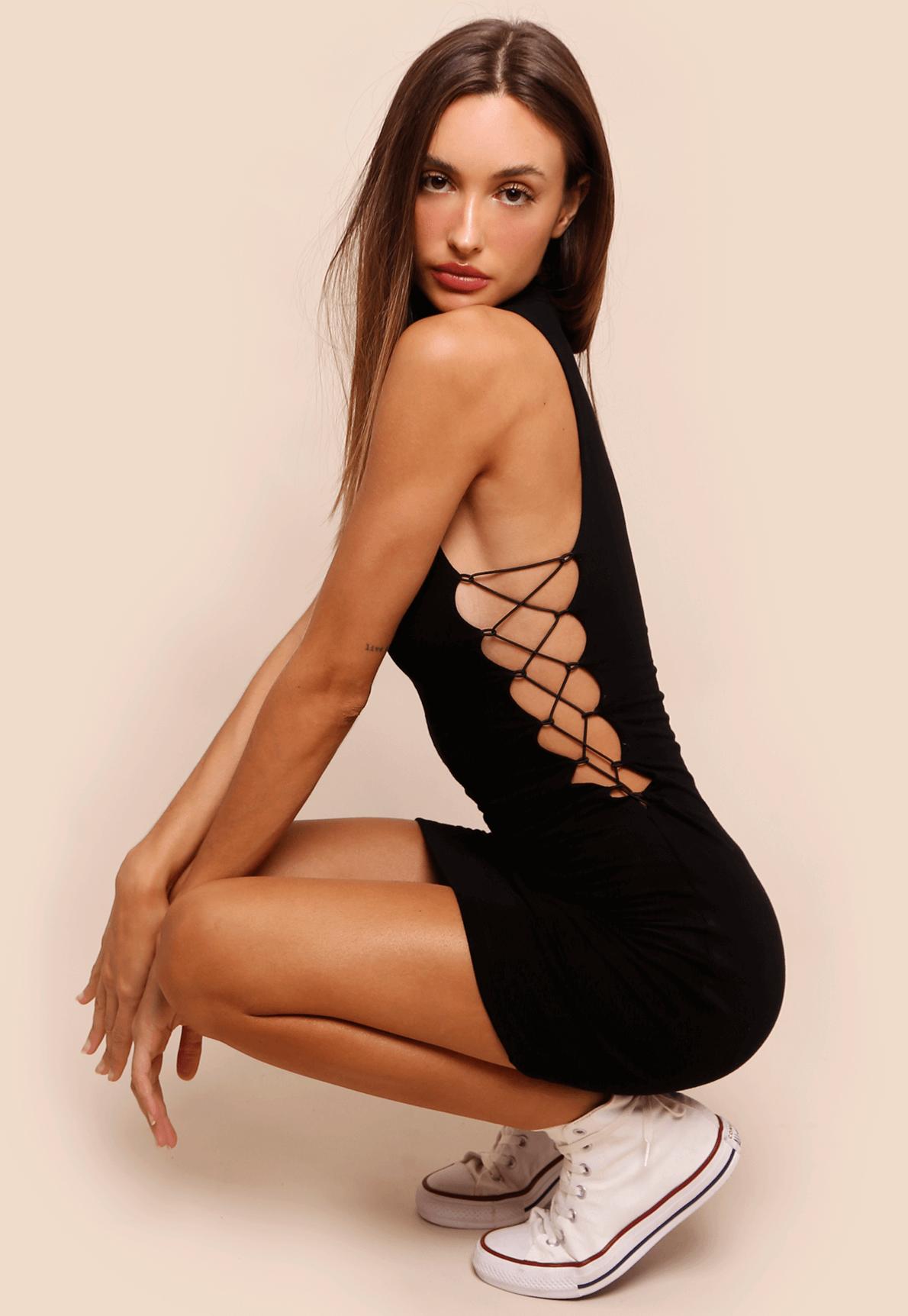35752-Vestido-gola-alta-caviar-preto-mundo-lolita-02
